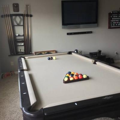 8ft Brunswick Pool Table